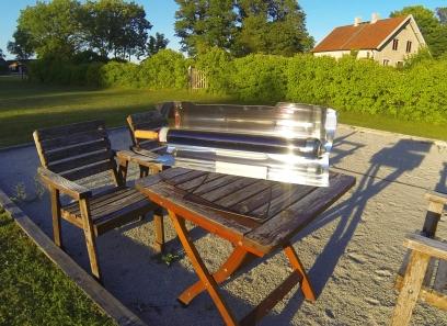 Bakar äpplen kl. 20:00 i Svensk sommarsol